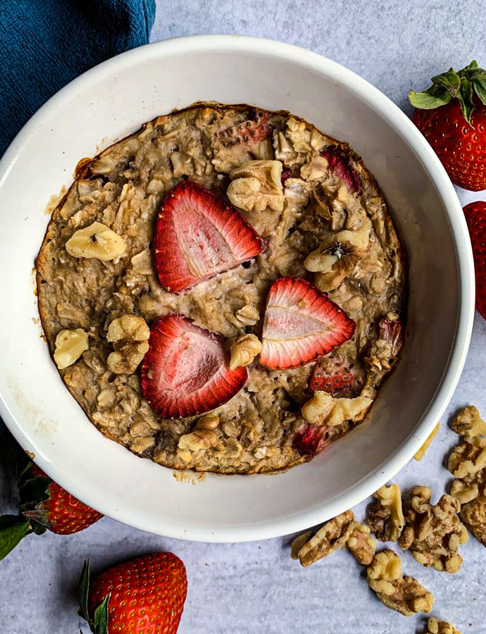 Strawberries and Cream Oatmeal Bake